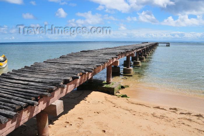 madagascar46: Vohilava, Île Sainte Marie / Nosy Boraha / St Mary Island, Analanjirofo region, Toamasina province, Madagascar: old wooden pier - photo by M.Torres - (c) Travel-Images.com - Stock Photography agency - Image Bank