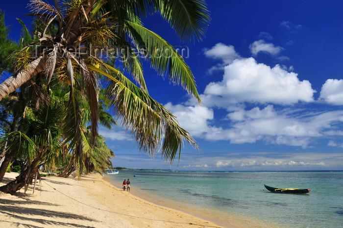 madagascar50: Vohilava, Île Sainte Marie / Nosy Boraha, Analanjirofo region, Toamasina province, Madagascar: golden sand and turquoise water - beach scene - photo by M.Torres - (c) Travel-Images.com - Stock Photography agency - Image Bank