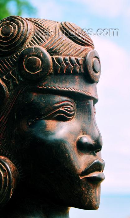 madagascar70: Vohilava, Île Sainte Marie / Nosy Boraha, Analanjirofo region, Toamasina province, Madagascar: woman's head - sculpture - Malagasy art - photo by M.Torres - (c) Travel-Images.com - Stock Photography agency - Image Bank