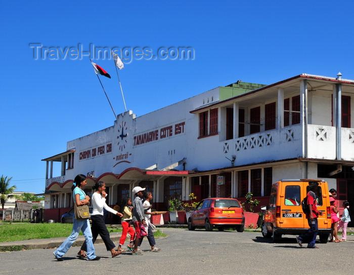 madagascar97: Toamasina / Tamatave, Madagascar: Gare Manguier - Madarail - east coast railway - photo by M.Torres - (c) Travel-Images.com - Stock Photography agency - Image Bank