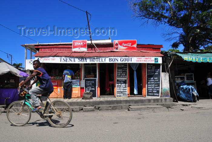 madagascar98: Toamasina / Tamatave, Madagascar: an 'Hotely' serving Malgasy fast food and the ever present Chinese soup  - photo by M.Torres - (c) Travel-Images.com - Stock Photography agency - Image Bank