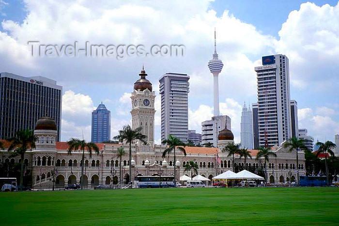 mal153: Malaysia - Kuala Lumpur -  KL / KUL: Merdeka square - skyline / Freedom square and palace of Sultan Abdul Samad (photo by J.Kaman) - (c) Travel-Images.com - Stock Photography agency - Image Bank
