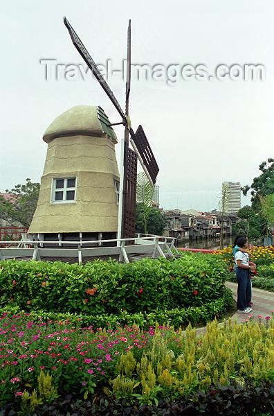 mal161: Malaysia - Malacca / Melaka: windmill - Dutch square (photo by J.Kaman) - (c) Travel-Images.com - Stock Photography agency - Image Bank