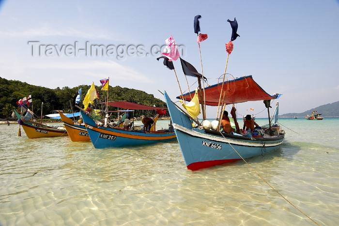 mal63: Malaysia - Pulau Perhentian / Perhentian Island, Terengganu: fishing boats (photo by Jez Tryner) - (c) Travel-Images.com - Stock Photography agency - Image Bank