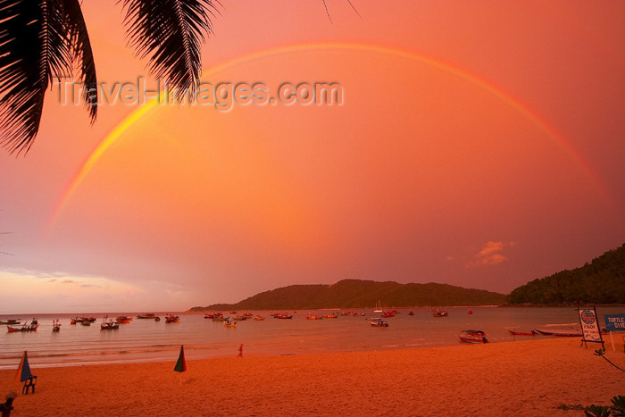 mal64: Malaysia - Pulau Perhentian / Perhentian Island, Terengganu: red sky (photo by Jez Tryner) - (c) Travel-Images.com - Stock Photography agency - Image Bank