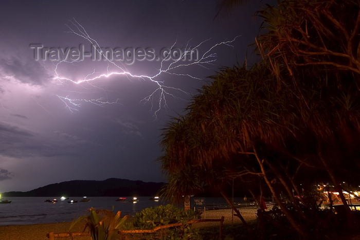 mal77: Malaysia - Pulau Perhentian / Perhentian Island, Terengganu: lightning storm (photo by Jez Tryner) - (c) Travel-Images.com - Stock Photography agency - Image Bank