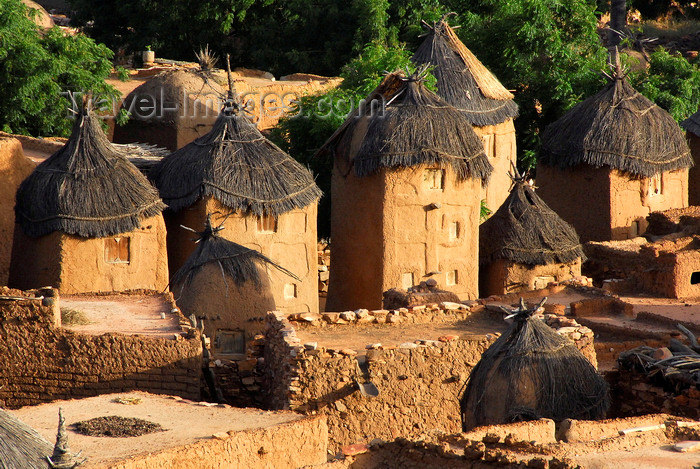 mali71: Bandiagara Escarpment, Dogon country, Mopti region, Mali: Songo village - Dogon granaries with fake windows to look like miniature buildings - photo by J.Pemberton - (c) Travel-Images.com - Stock Photography agency - Image Bank