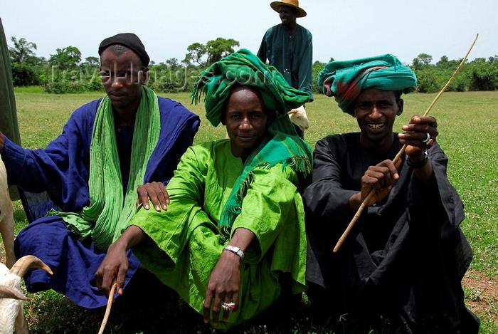 mali82: Kati,  Koulikoro Region, Mali: men at the cattle market - photo by J.Pemberton - (c) Travel-Images.com - Stock Photography agency - Image Bank
