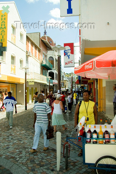 martinique20: Fort-de-France, Martinique: street scene - photo by D.Smith - (c) Travel-Images.com - Stock Photography agency - Image Bank