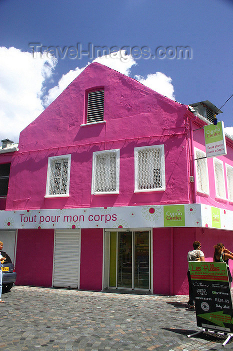 martinique21: Fort-de-France, Martinique: pink façade - photo by D.Smith - (c) Travel-Images.com - Stock Photography agency - Image Bank