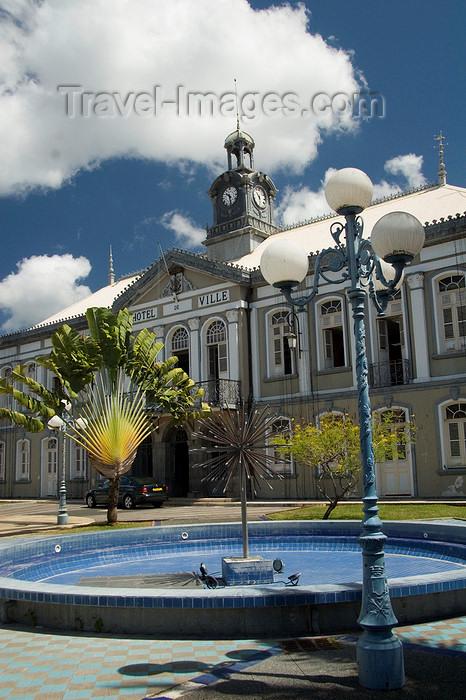 martinique24: Fort-de-France, Martinique: Hôtel de Ville and fan palms - Hôtel de la Préfecture - photo by D.Smith - (c) Travel-Images.com - Stock Photography agency - Image Bank