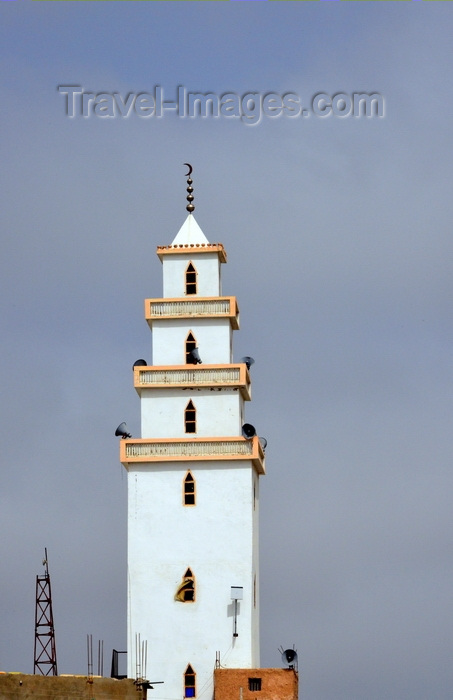 mauritania11: Nouakchott, Mauritania: minaret of the Capital Mosque, with 3 levels of balconies, four spheres and a crescent - photo by M.Torres - (c) Travel-Images.com - Stock Photography agency - Image Bank