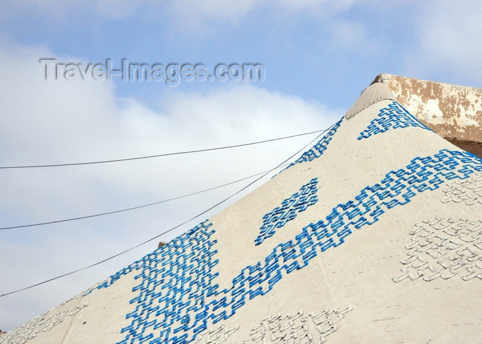 mauritania12: Nouakchott, Mauritania: traditional khaima tent used in nomadic life in the Sahara desert - white and blue pattern - photo by M.Torres - (c) Travel-Images.com - Stock Photography agency - Image Bank