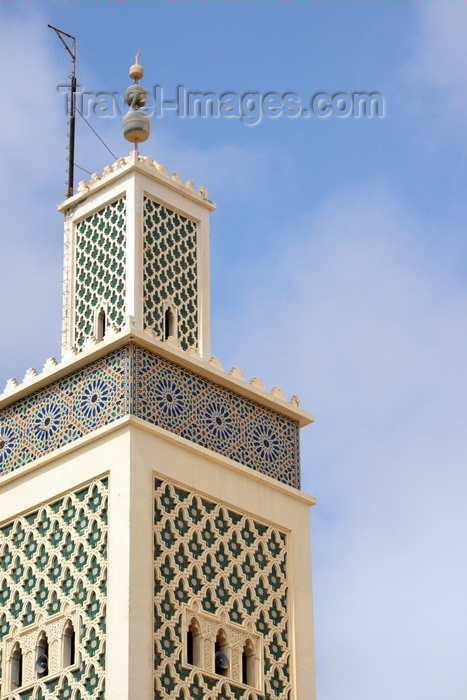 mauritania15: Nouakchott, Mauritania: Moroccan Mosque - ornate square minaret inspired in the Koutoubia in Marrakesh - minaret with zellidj tiles - Mosquée Marocaine - photo by M.Torres - (c) Travel-Images.com - Stock Photography agency - Image Bank