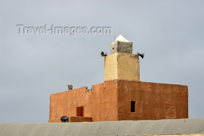 mauritania27: Nouakchott, Mauritania: small reddish mosque of the fishing harbor- photo by M.Torres - (c) Travel-Images.com - Stock Photography agency - Image Bank