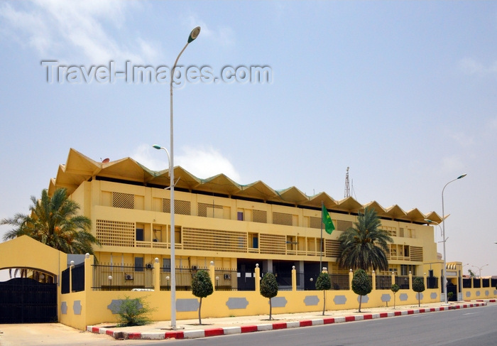 mauritania42: Nouakchott, Mauritania: French colonial building housing the Government Complex, former office of the Mauritanian Prime Minister - photo by M.Torres - (c) Travel-Images.com - Stock Photography agency - Image Bank