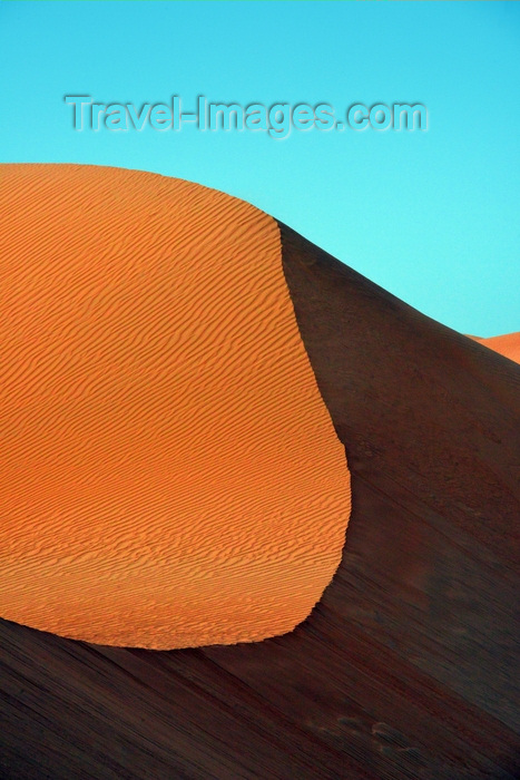 mauritania55: Nouakchott, Mauritania: sand dunes of the Sahara desert  with wave pattern created by the wind - photo by M.Torres - (c) Travel-Images.com - Stock Photography agency - Image Bank