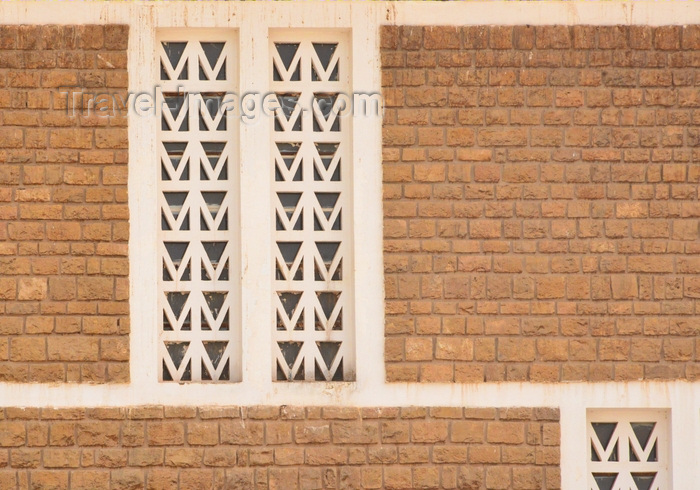 mauritania59: Nouakchott, Mauritania: detail of colonial period window, Ministry of Justice / Ministére de la Justice - architecture of the French Empire - photo by M.Torres - (c) Travel-Images.com - Stock Photography agency - Image Bank