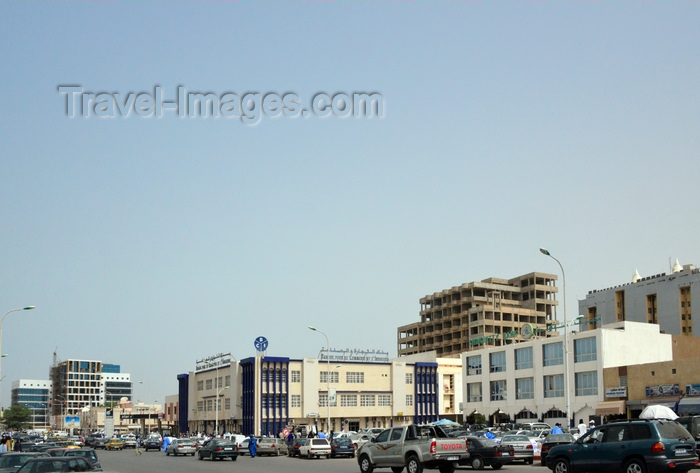 mauritania69: Nouakchott, Mauritania: banks, traffic and people in the heart of the business district - Gamal Abdel Nasser avenue - Chinguitty Bank, Banque pour le Commerce et l'Industrie... - photo by M.Torres - (c) Travel-Images.com - Stock Photography agency - Image Bank
