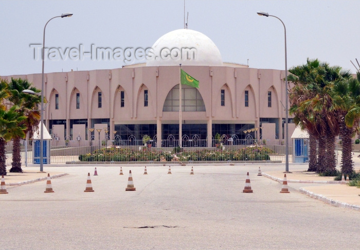 mauritania72: Nouakchott, Mauritania: domed building of the Nouakchott Convention Center, mostly used for government events - Palais des congrès avenue - photo by M.Torres - (c) Travel-Images.com - Stock Photography agency - Image Bank