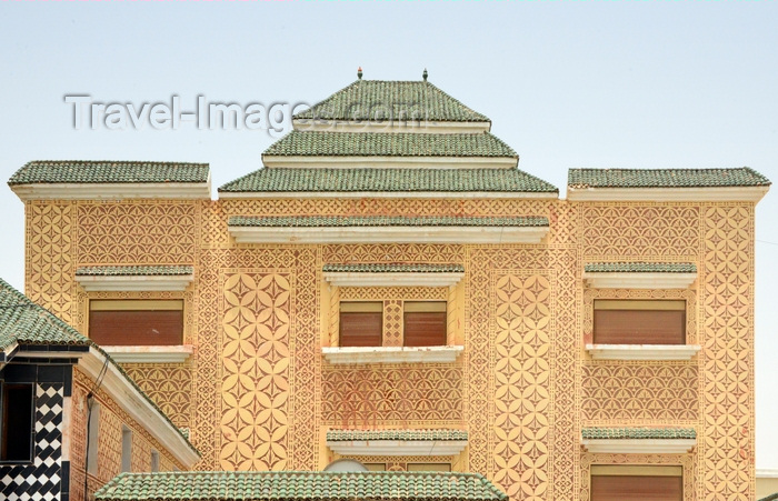 mauritania73: Nouakchoot, Mauritania: ornate facade with green roofs on the Tevragh Zeina area - photo by M.Torres - (c) Travel-Images.com - Stock Photography agency - Image Bank