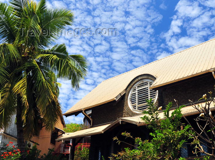 mayotte15: Mamoudzou, Grande-Terre / Mahore, Mayotte: tropical house with circular window - oculus - photo by M.Torres - (c) Travel-Images.com - Stock Photography agency - Image Bank