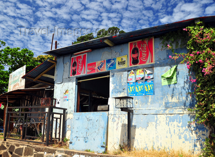 mayotte16: Mamoudzou, Grande-Terre / Mahore, Mayotte: modest shop near Place du Marché - photo by M.Torres - (c) Travel-Images.com - Stock Photography agency - Image Bank