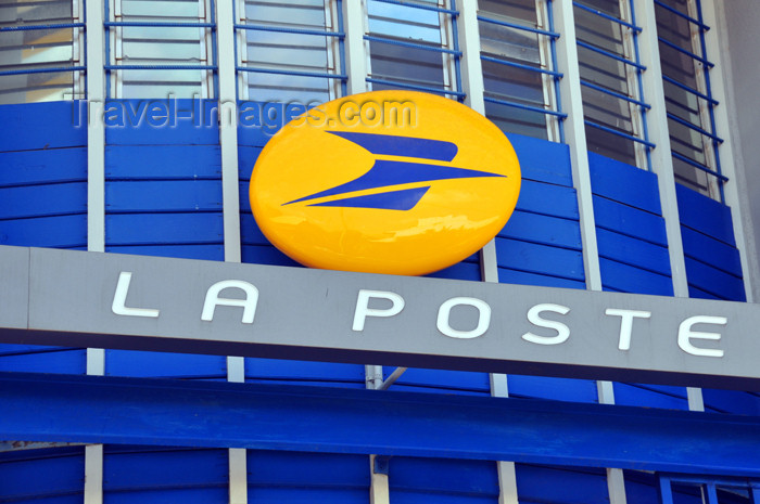 mayotte19: Mamoudzou, Grande-Terre / Mahore, Mayotte: central post office - La Poste - Rue de l'Hôpital - photo by M.Torres - (c) Travel-Images.com - Stock Photography agency - Image Bank