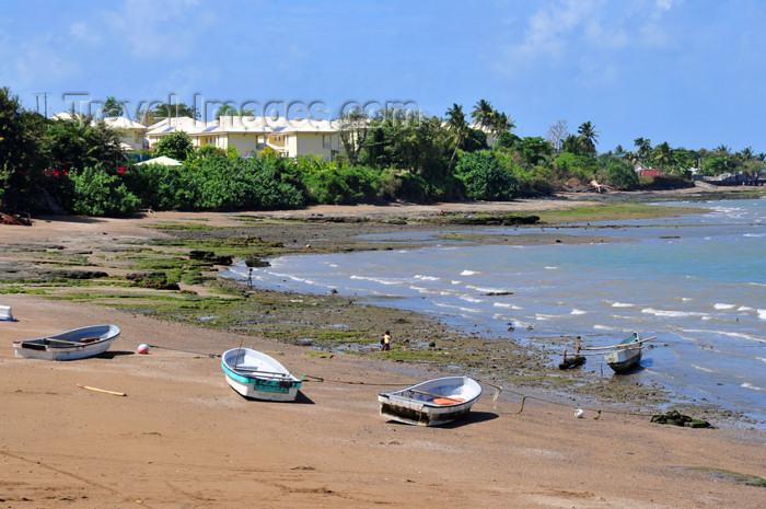 mayotte50: Pamandzi, Petite-Terre, Mayotte: beach scene - photo by M.Torres - (c) Travel-Images.com - Stock Photography agency - Image Bank