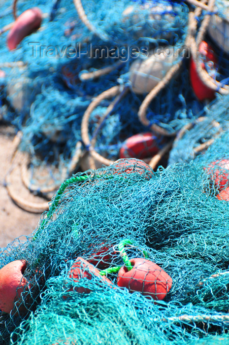 mayotte53: Labattoir, Petite-Terre, Mayotte: Mronyombéni beach - fishing nets - photo by M.Torres - (c) Travel-Images.com - Stock Photography agency - Image Bank