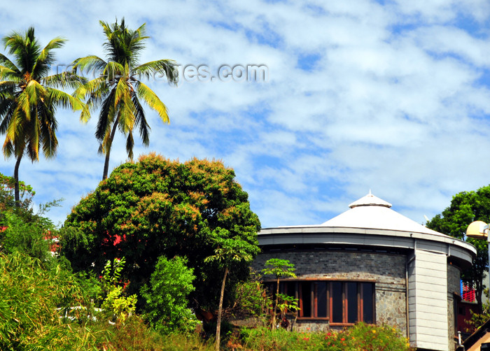 mayotte7: Mamoudzou, Grande-Terre / Mahore, Mayotte: round building above Place du Marché - photo by M.Torres - (c) Travel-Images.com - Stock Photography agency - Image Bank