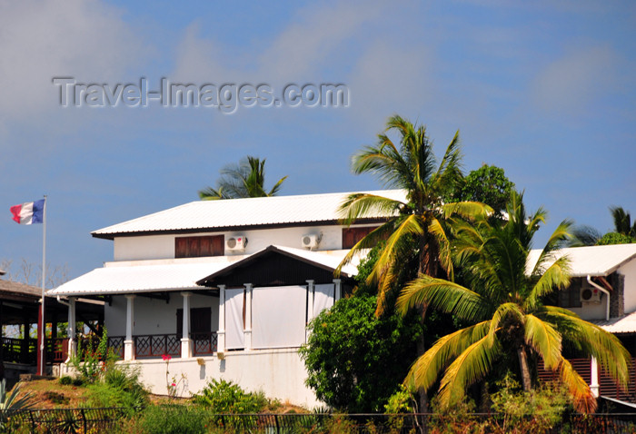 mayotte76: Dzaoudzi, Petite-Terre, Mayotte: French colonial architecture - photo by M.Torres - (c) Travel-Images.com - Stock Photography agency - Image Bank