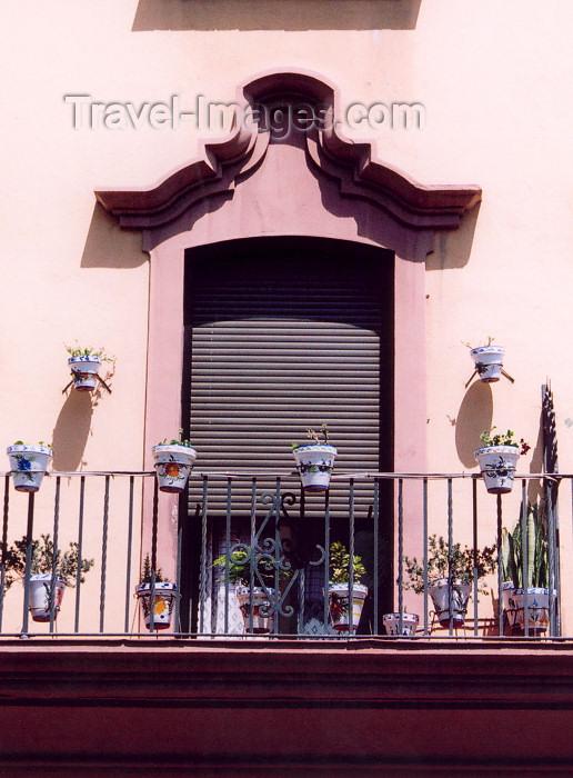 melilla28: Melilla: balcony with vases / balcon con jarrones - photo by M.Torres - (c) Travel-Images.com - Stock Photography agency - Image Bank