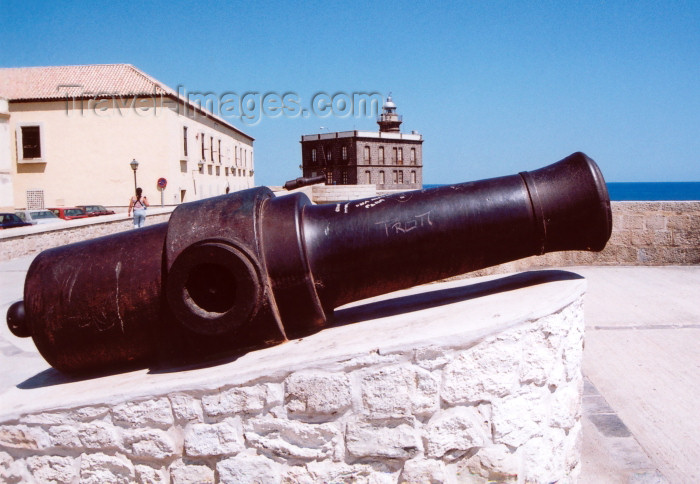 melilla37: Melilla: 19th century coastal artillery - Melilla la Vieja - gun / canon - photo by M.Torres - (c) Travel-Images.com - Stock Photography agency - Image Bank