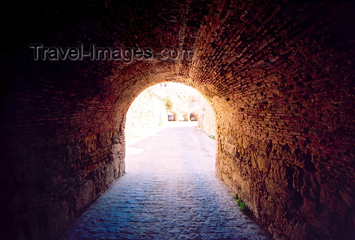 melilla48: Melilla, Spain: tunnel - Melilla la Vieja / tunel - photo by M.Torres - (c) Travel-Images.com - Stock Photography agency - Image Bank