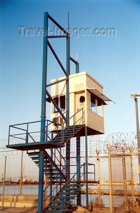 melilla5: Melilla: Melilla border fence - watch tower - razour wire - | Valla de Melilla - la sirga - photo by M.Torres - (c) Travel-Images.com - Stock Photography agency - Image Bank