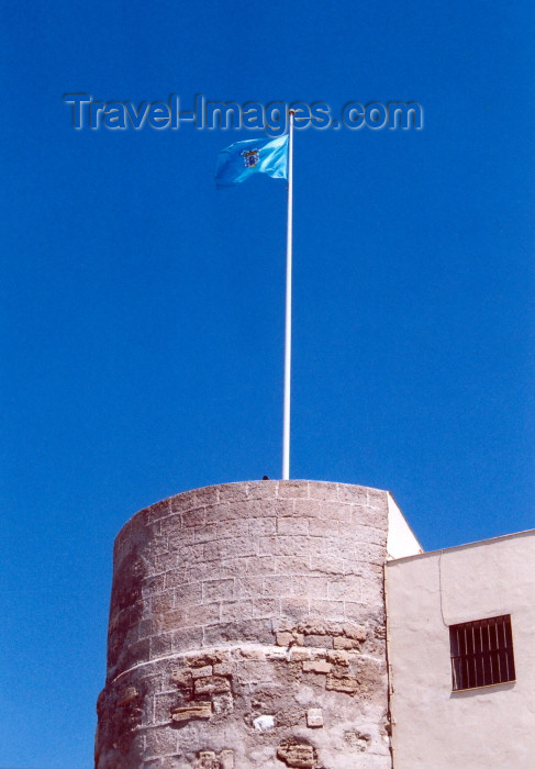melilla54: Melilla: the flag over the Batería Real - Melilla la Vieja - photo by M.Torres - (c) Travel-Images.com - Stock Photography agency - Image Bank