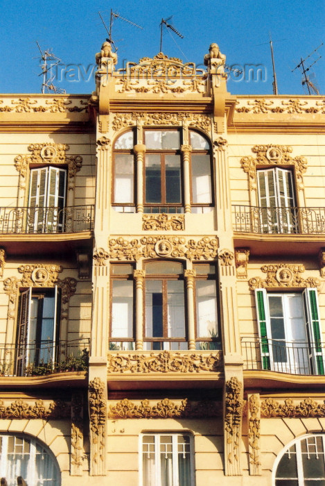 melilla57: Melilla: art deco balcony - Edificio Reconquista - architect Enrique Nieto y Nieto - photo by M.Torres - (c) Travel-Images.com - Stock Photography agency - Image Bank
