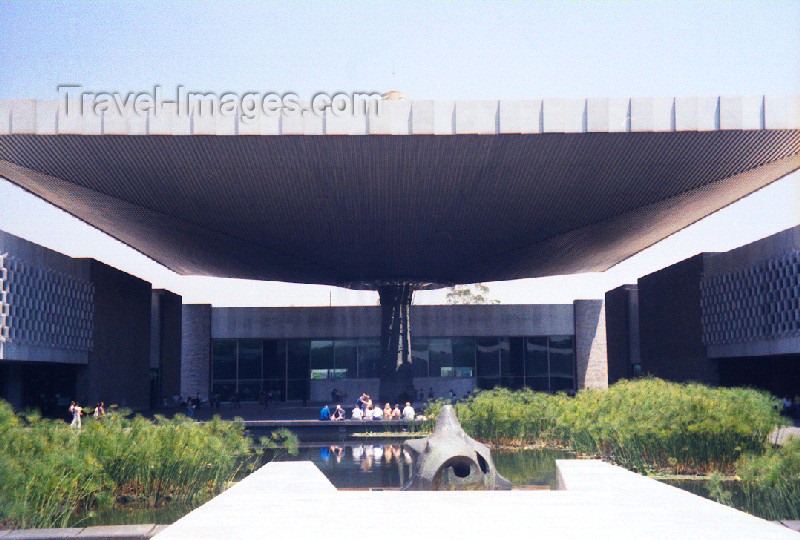 mexico31: Mexico City: anthropology museum - architect: Pedro Ramirez Vasquez / Museo Nacional de Antropologia - Chapultepec park - photo by M.Torres - (c) Travel-Images.com - Stock Photography agency - Image Bank