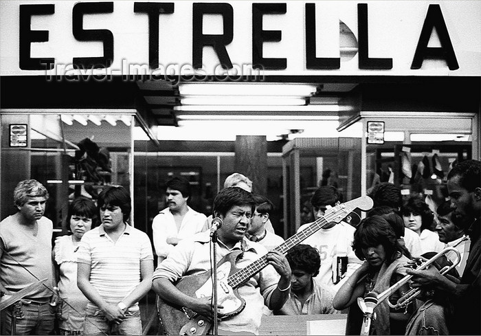 mexico350: Mexico City: playing music in the streets - Estrella - photo by Y.Baby - (c) Travel-Images.com - Stock Photography agency - Image Bank
