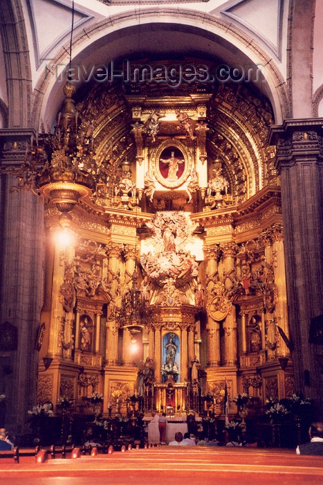 mexico5: Mexico City / Ciudad de Mexico: gilded altar - photo by M.Torres - (c) Travel-Images.com - Stock Photography agency - Image Bank