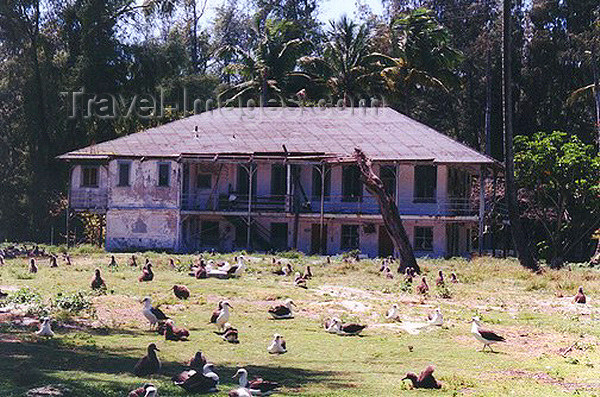 midway8: Midway Atoll - Sand island: Remains  buildings of the Commercial Pacific Cable Company - photo by G.Frysinger - (c) Travel-Images.com - Stock Photography agency - Image Bank