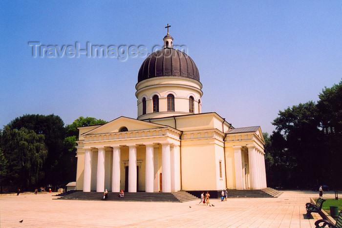 moldova5: Chisinau / Kishinev / KIV: Orthodox Cathedral of the Nativity of Christ - architect Abraham I. Melnikov - Russian Empire style - photo by M.Torres - (c) Travel-Images.com - Stock Photography agency - Image Bank