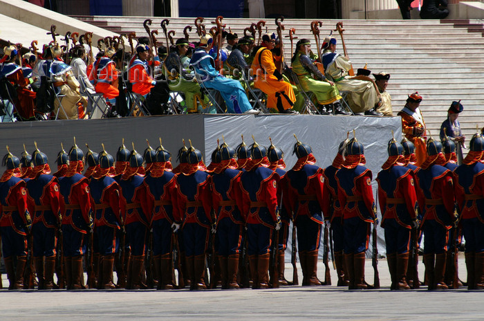 mongolia100: Ulan Bator / Ulaanbaatar, Mongolia: soldiers and musicians in front of the Parliament building, Suhbaatar square - photo by A.Ferrari - (c) Travel-Images.com - Stock Photography agency - Image Bank