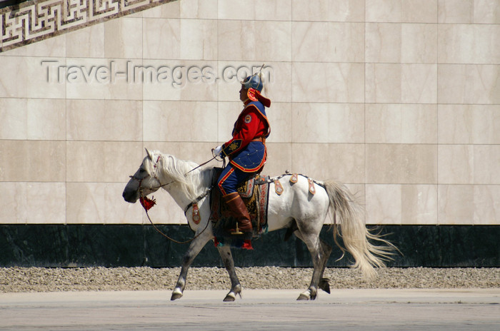 mongolia101: Ulan Bator / Ulaanbaatar, Mongolia: a soldier on his horse, Sukhbaatar square - photo by A.Ferrari - (c) Travel-Images.com - Stock Photography agency - Image Bank