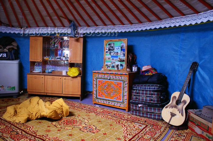 Superbe Mongolian Yurt Furniture