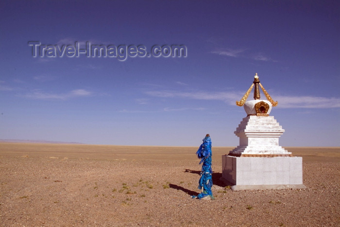 mongolia8: Mongolia - Gobi desert: stupa in the south / oova - photo by A.Summers - (c) Travel-Images.com - Stock Photography agency - Image Bank