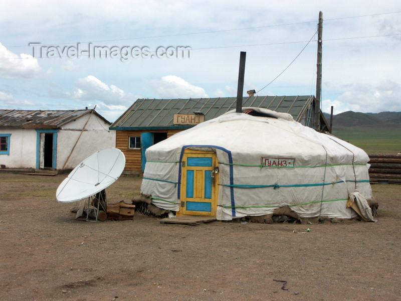 mongolia9: Mongolia - Ulaan Baator / Ulan Bator / ULN:  yurt / ger with a satellite dish - photo by P.Artus - (c) Travel-Images.com - Stock Photography agency - Image Bank