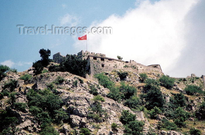 montenegro44: Montenegro - Crna Gora - Kotor: the fortress - photo by M.Torres - (c) Travel-Images.com - Stock Photography agency - Image Bank