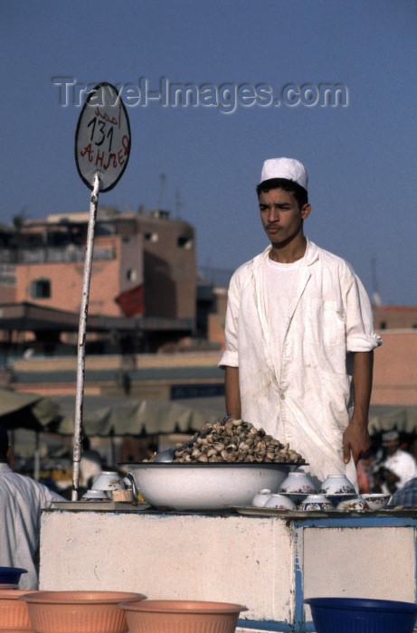 moroc116: Morocco / Maroc - Marrakesh: Arab man selling snails as a snack - food stall at Place Djemaa el Fna - photo by F.Rigaud - (c) Travel-Images.com - Stock Photography agency - Image Bank